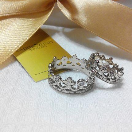 Обручальные кольца в виде короны