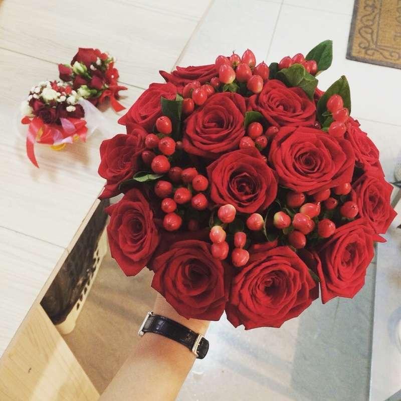 """Букет невесты из красных роз - фото 14398214 Флористическая студия """"Панорама цветов"""""""