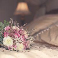 Букет невесты из белых астр и розовой астильбы