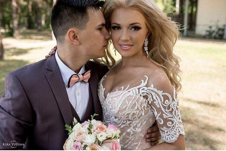 Букет невесты с персиковыми розами