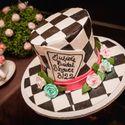 """Креативные идеи для свадьбы в стиле сказки """"Алиса в Стране Чудес"""""""