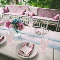 Розово-голубая свадьба Гортензия и пион Свадьба в розовых Декор в розовых голубых тонах Serenity и Rose quartz Цветное стекло Шелк