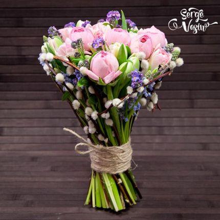 Весенние букеты из сезонных цветов