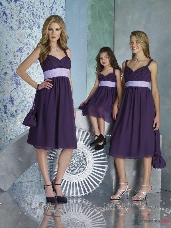 Подружки невесты и маленькая девочка в сиреневых платьях миди на - фото 65937 Julia Kay