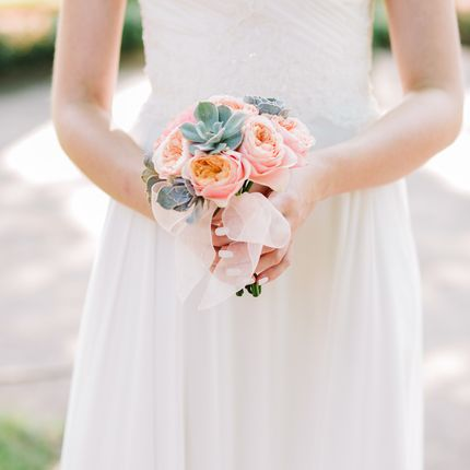 Букет невесты из роз Вувузела