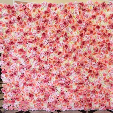 Розовая стена из шелковых цветов в аренду