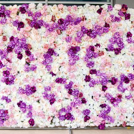 Бело-сиреневая цветочная стена в аренду