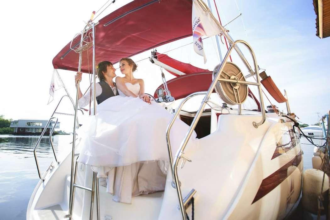 Фото 13907316 в коллекции Аренда парусной яхты с алыми парусами для фотосессий - Аренда яхты Паруса-нн