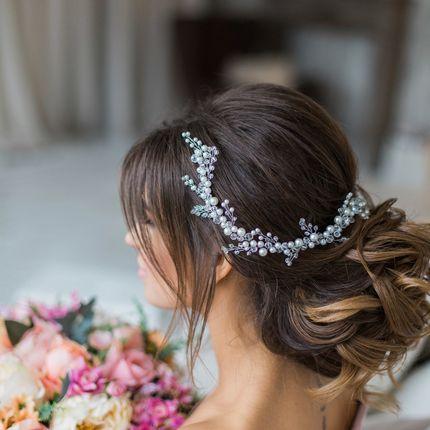 Свадебная веточка-венок в светлых оттенках