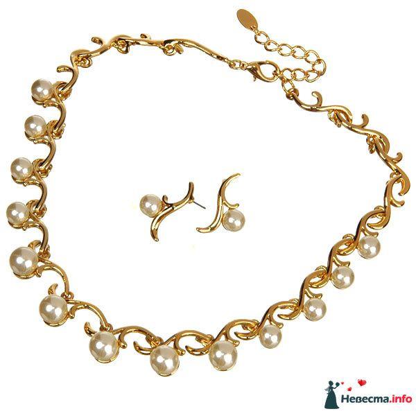 Позолоченные серьги и ожерелье с белыми жемчужными бусинами  - фото 87457 Невестушка