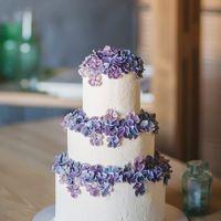 Торт с кремовой флористикой