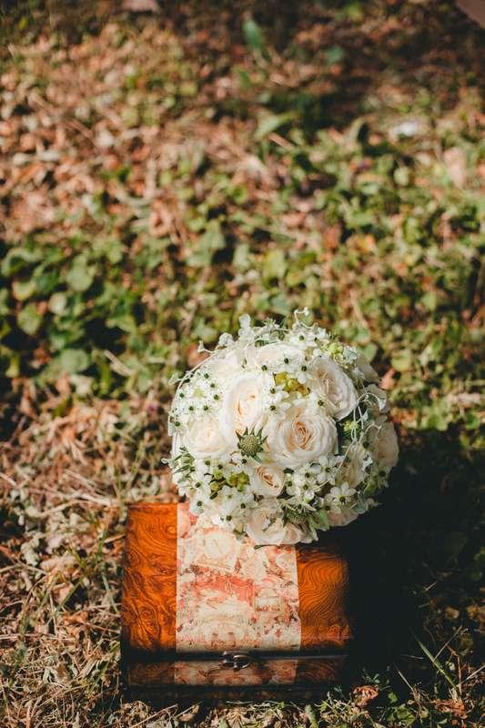 Великолепный букет для официальной регистрации от Студия флористики и декора Fresh&Green Когда я создаю свадьбу, для меня безумно важно, чтобы люди в моей команде умели чувствовать клиента, как умею чувствовать его я. За фото спасибо Софье Киселевой - фото 4400985 Свадебный распорядитель, выездной регистратор Ирэм