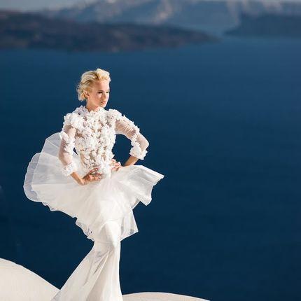 Свадебное платье с аппликацией ручной работы