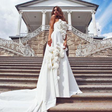 Пошив свадебного платья с длинным шлейфом