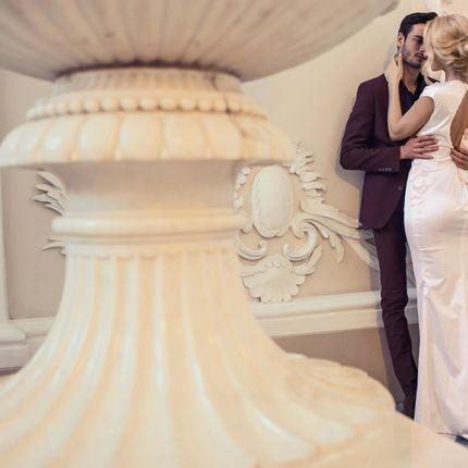Свадебное платье с аппликацией из лунного камня