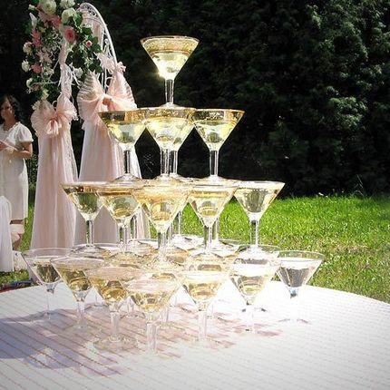Пирамида горка из шампанского