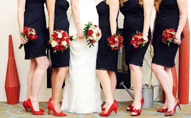 Фото в черном платье на свадьбу