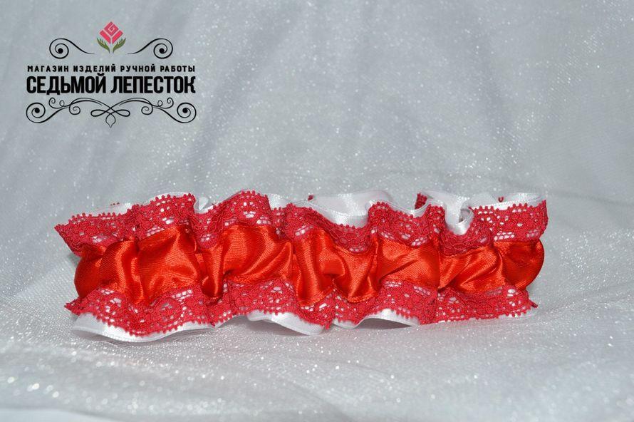 Подвязка для невесты  Цена 500 руб Цвет ленты и декора могут быть любыми Для обхвата ноги от 30 до 50 см (другой размер на заказ)  #подвязка #подвязкадляневесты #подвязканасвадьбу - фото 10460392 Свадебные аксессуары Седьмой лепесток
