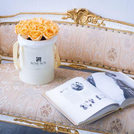Букет в шляпной коробке RSBX M, 25 роз
