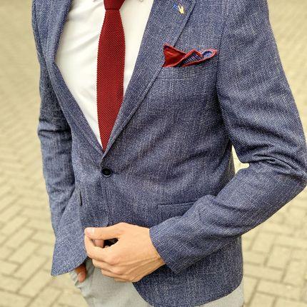 Элегантный синий пиджак
