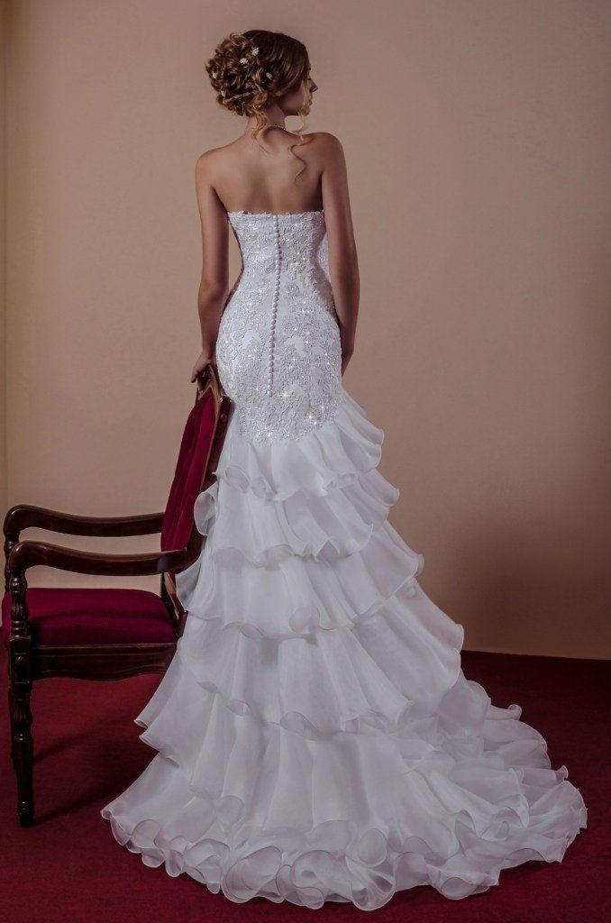 свадебное платье в стиле русалка, кружево расшитое бисером от дизайнера Виктория Карандашева - фото 10579568 Салон Viktoria Karandasheva