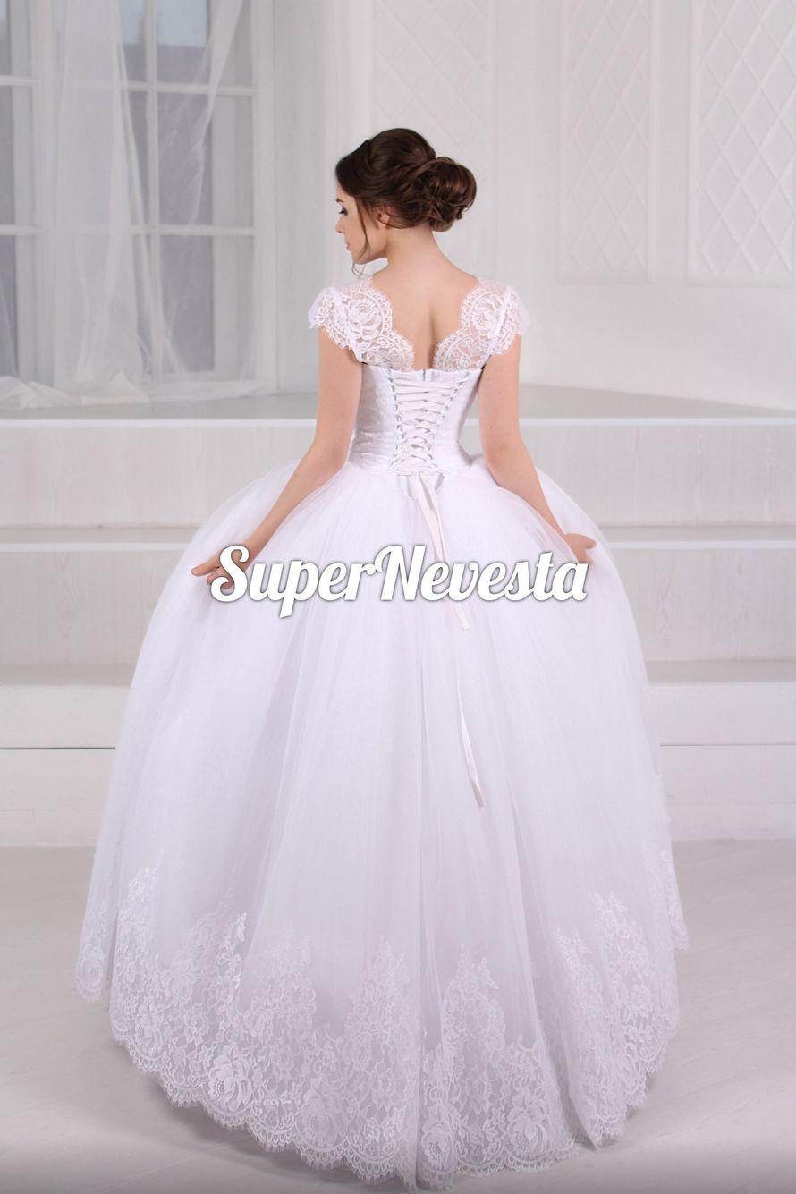 В наличии 40-44р. Классическое бальное платье. Цвет белый. Цена 18500= - фото 13697410 Салон Onlybrides
