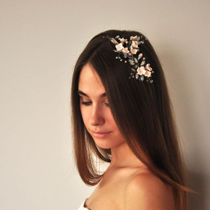 Украшение в причёску с цветами, жемчугом и кристаллами
