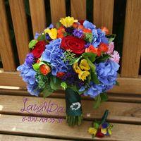 Букет  невесты , очень яркий и красивый