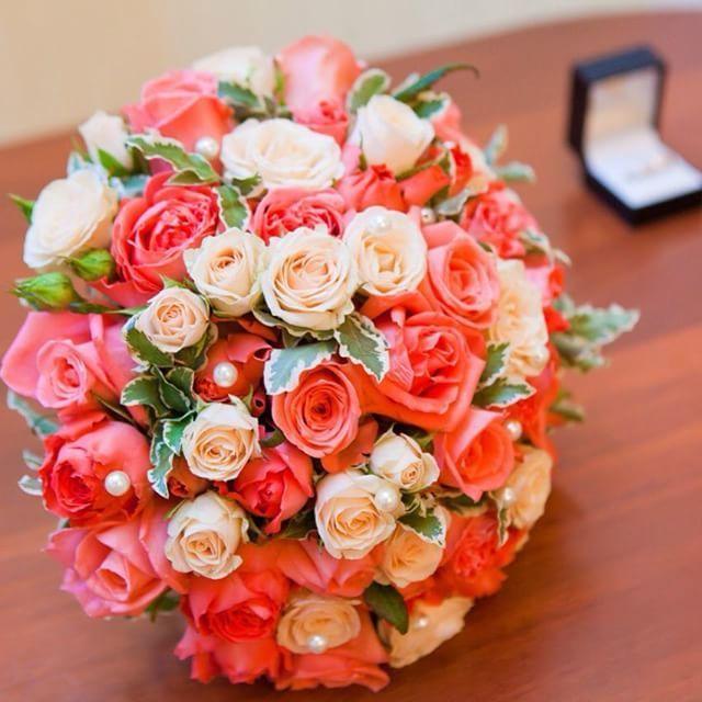 Коралловый букет нашей невесты - фото 11096720 Флорист Савинова Виктория