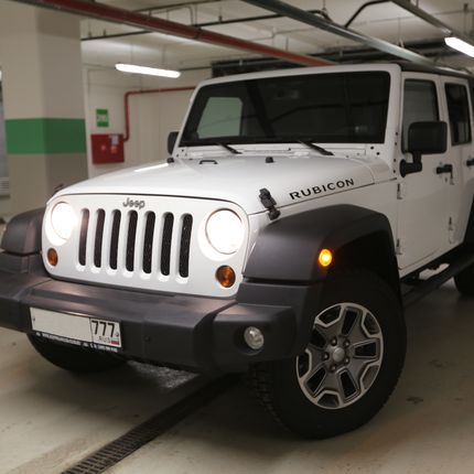 Аренда автомобиля Jeep Wrangler Unlimited, цена за 1 час