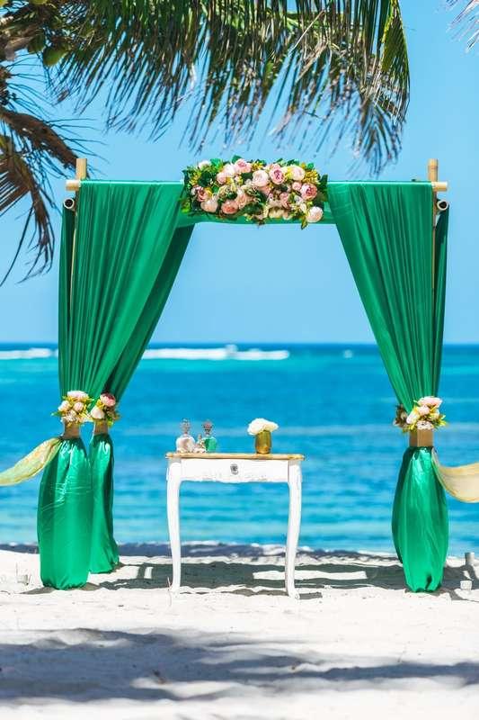 Фото 17358562 в коллекции Изумрудная свадьба в Доминикане на частном пляже Кариббеан {Мария и Артем} - Caribbean Wedding - свадьба в Доминикане