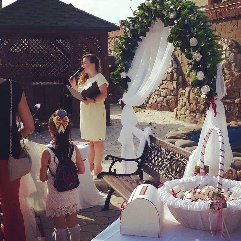 В белой корзинке ,уже на свадебной церемонии - фото 11151682 Оформители Фабрика фантазии