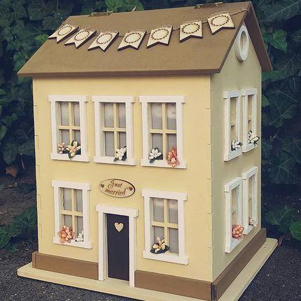 Семейный банк в виде дома + светильник