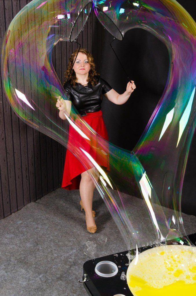 Заказ шоу на Ваш праздник по телефону 8-923-799-33-34 - фото 11100394 Шоу мыльных пузырей Евгении Коростелевой