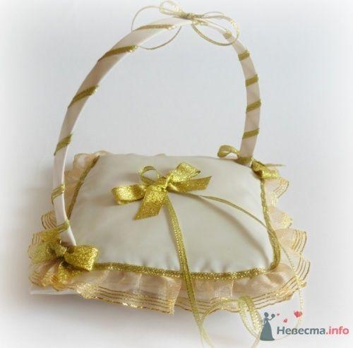 Фото 17050 в коллекции Подушечки для колец - Подружка Невесты - свадебные аксессуары