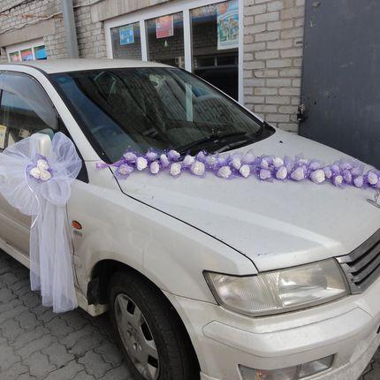 Фиолетовые цветы на оформление машины