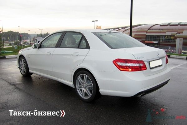 Mercedes E212 белый - фото 43417 Такси-бизнес - свадебный кортеж