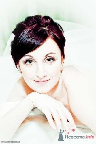 Свадебная прическа на волосы средней длины, свадебный макияж - фото 67114 Стилист-визажист Кандалова Елена