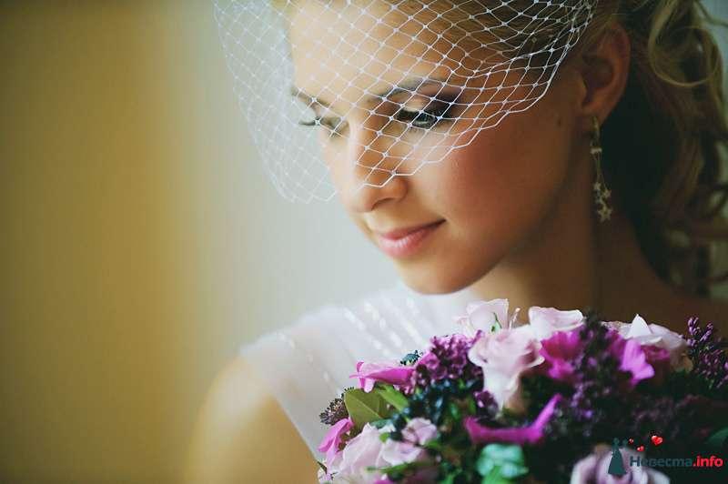 Свадебная прическа на длинные волосы с вуалеткой. Свадебный макияж. - фото 105236 Стилист-визажист Кандалова Елена