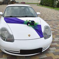 Красивая фиолетово-белая свадьба. Создавать украшение для таких машинок было удовольствием))