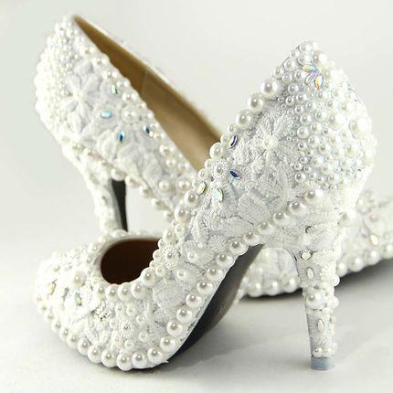 Обувь авторской работы с кружевами
