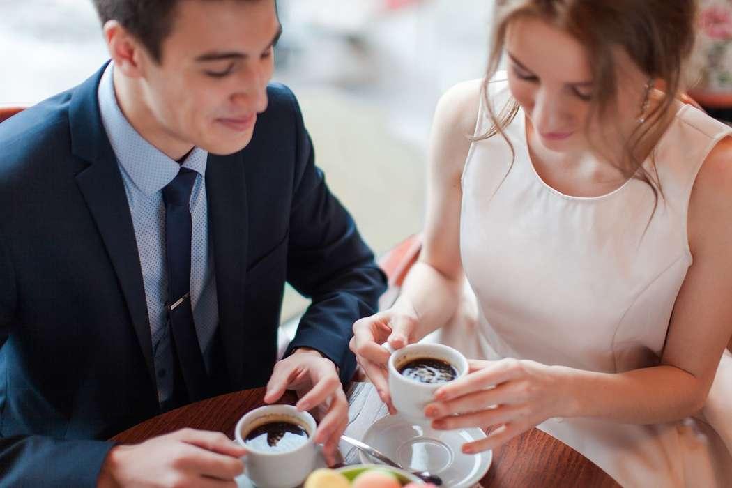 Жених и невеста, фотосессия в кафе - фото 13396226 Фотограф Юлия Sweet-kadr