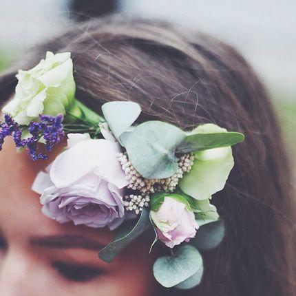 Венок для волос из живых цветов