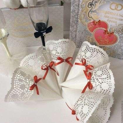 Лепестки роз на свадьбу своими рукам