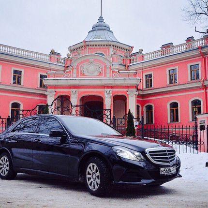 Аренда авто Mercedes Benz E212, цена за 1 час