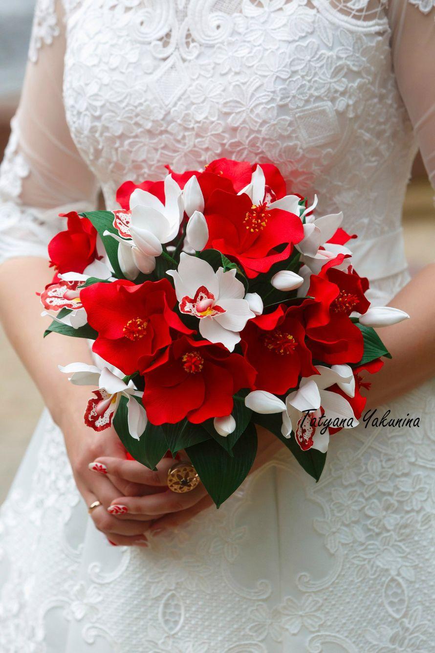 """Свадебный набор """" Лёд и пламя """" В него входят - гребень для невесты, букет для невесты, бутоньерка для жениха,  бутоньерки для друзей жениха,браслетики для подружек невесты. Свадебные аксессуары, выполненные в одном стиле, без сомнения, сделают Вашу свадь - фото 17643114 Татьяна Якунина - свадебные букеты и украшения"""