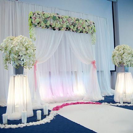 Арка с прямоугольным цветочным панно