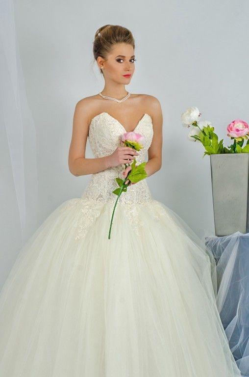Свадебные платья в томске цена