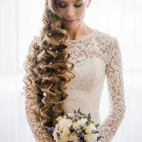 Вот такая Вита - красотка!))) Очень длинные волосы!)))