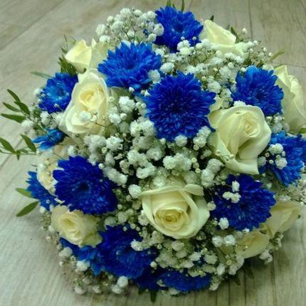 Букет в бело-синей гамме